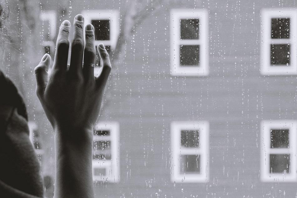 Articol DEPRETER - depresie vs doliu complicat persistent